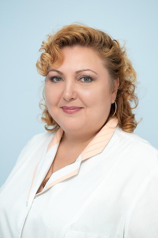 Ларина Ирина Петровна, старшая медицинская сестра