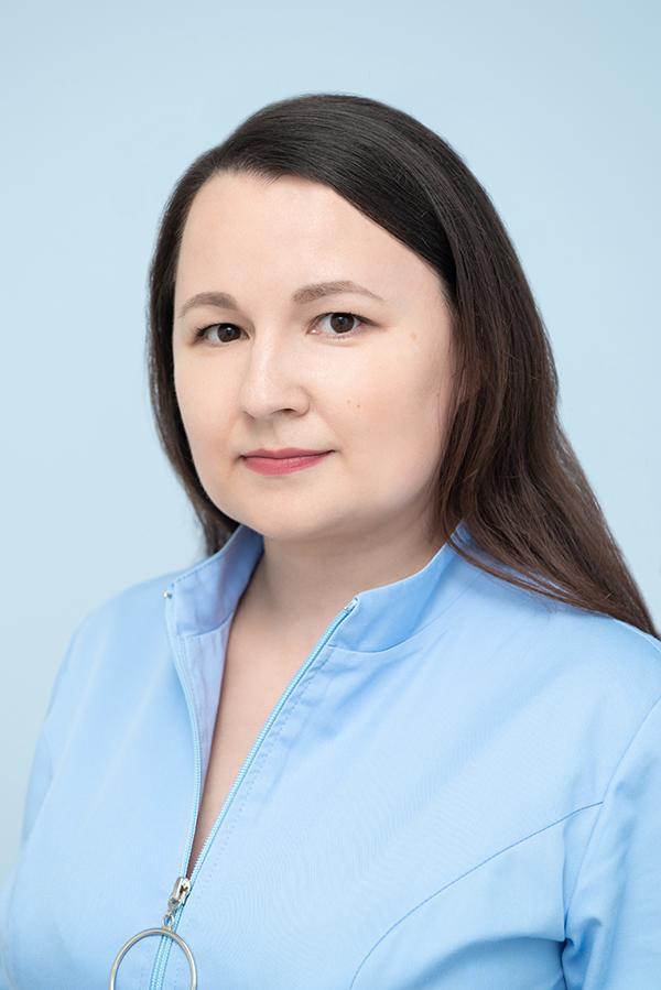 Петрова Ирина Петровна, администратор