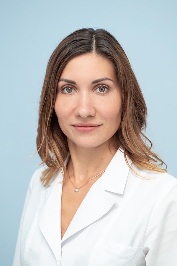 Стадлер Алена Николаевна, Врач-рентгенолог кабинета МРТ