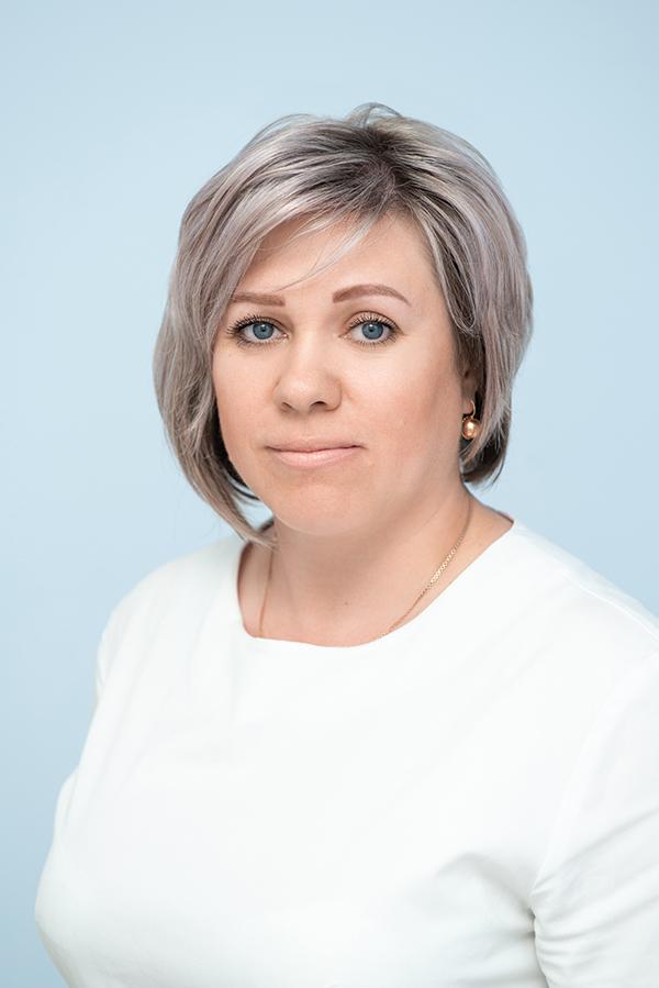 Филиппи Лариса Олеговна, администратор